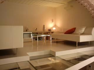 Livings de estilo  por Studio DeGli Architetti  G. De Angelis - F. Glionna