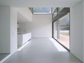 Modern Living Room by Savamea | edel - mineralisch - fugenlos Modern