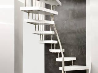 KENNGOTT-1qm-Treppe 3572.1: moderner Flur, Diele & Treppenhaus von KENNGOTT-TREPPEN Longlife Holz Metall Stein