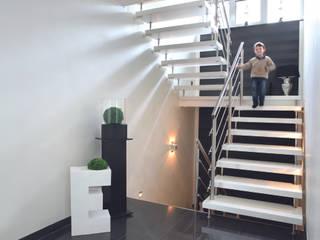 Kenngott-Treppen Longlife: modern  von KENNGOTT-TREPPEN Longlife Holz Metall Stein,Modern