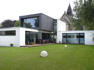 Case in stile in stile Moderno di Architekten Spiekermann