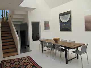 Modern House on Ebner Street in Wandsworth, London モダンデザインの ダイニング の 4D Studio Architects and Interior Designers モダン