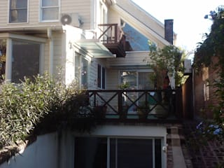 La Lucila: Casas de estilo clásico por 2424 ARQUITECTURA
