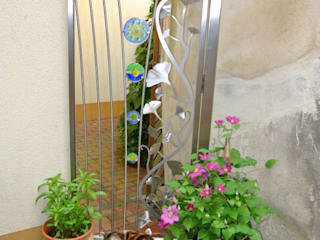 Stainless Steel Ginkgo Garden Gate Edelstahl Atelier Crouse: Jardines modernos: Ideas, imágenes y decoración