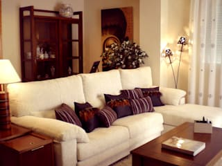 Colonial style living room by Paco Escrivá Muebles Colonial