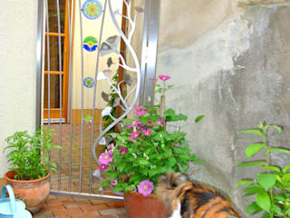 Stainless Steel Ginkgo Garden Gate 모던스타일 정원 by Edelstahl Atelier Crouse: 모던