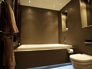 Sumptuous duplex apartment: modern Bathroom by Asco Lights