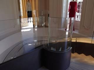 Galerías y espacios comerciales de estilo moderno de Ni.va. Srl Moderno