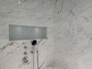 Italian Marble Shower Enclosure:  Bathroom by Amarestone