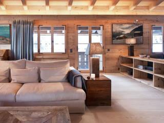 Chalet Gstaad Rustikale Wohnzimmer von Ardesia Design Rustikal