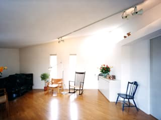 Ruang Multimedia by T設計室一級建築士事務所/tsekkei
