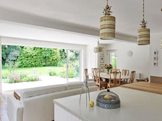 Contemporary take on a French Country Kitchen Cuisine originale par At No 19 Éclectique