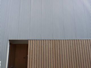 ドミノ住宅 モダンな 家 の T設計室一級建築士事務所/tsekkei モダン