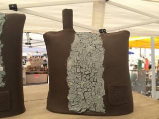 Vaso in gres con effetto graniglia:  in stile  di Catia clinaz