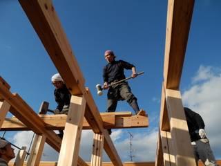 大工が手で刻んで建てるシンプルな杉の家 日本家屋・アジアの家 の 中村茂史一級建築士事務所 和風
