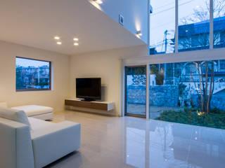 modern Living room by Kenji Yanagawa Architect and Associates