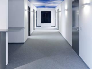 Verwaltungs- und Veranstaltungsgebäude in Niederbayern Landhaus Bürogebäude von camp Planung GmbH Innenraum . Markenentwicklung Landhaus