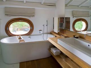 Residenza privata nel parco del Pineto Bagno in stile classico di laboratorio di architettura - gianfranco mangiarotti Classico