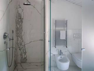 Residenza privata nel parco del Pineto di laboratorio di architettura - gianfranco mangiarotti Classico