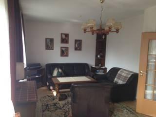 Projekty,  Salon zaprojektowane przez HomeStagingDE,