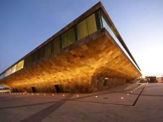 Spain Llotja Congress Bona Paredes y pisosColores y acabados