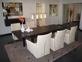 Esszimmer NACHHER: moderne Esszimmer von HomeStagingDE