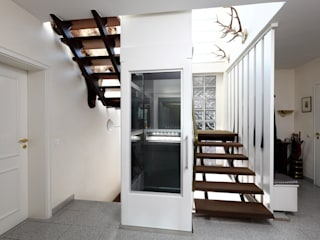 Corridor, hallway & stairs by Ammann & Rottkord GmbH