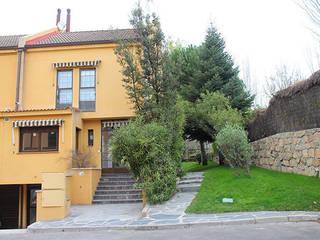 Reforma integral de chalet Sabimad Proyectos y Obras Casas de estilo mediterráneo