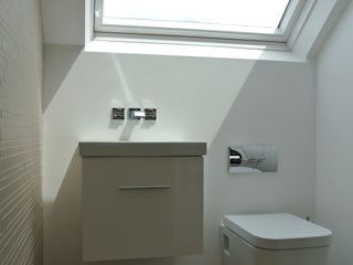LOFT CONVERSION STUDIO[01] LTD Modern Banyo