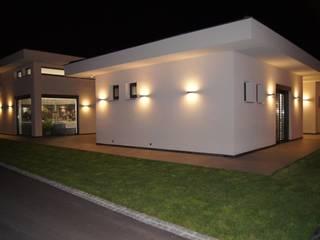 Villa in Frankreich:  Garten von Bolz Licht & Wohnen