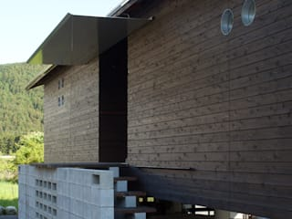 H2O設計室 ( H2O Architectural design office ) Industrial style houses