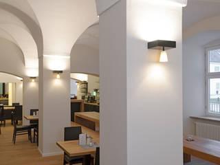 Escuelas de estilo  por Spaett Architekten GmbH