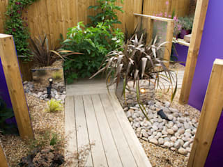 Party garden in Sevenoaks, Kent Earth Designs Modern style gardens