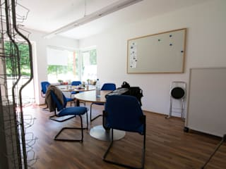 Luna Homestaging Salas de estilo moderno