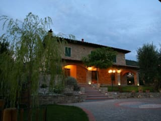Studio Tecnico Progettisti Associati Ing. Marani Marco & Arch. Dei Claudia Casas de estilo colonial