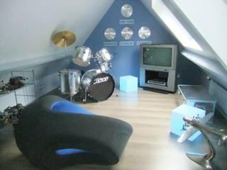 Habitaciones para niños de estilo moderno de HOME feeling Moderno