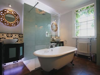 Hoxton Victorian Bathroom by Inara Interiors Еклектичний
