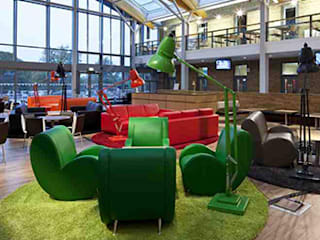 Leicester University: modern  by fringes rugs limited, Modern