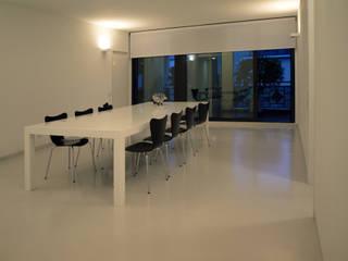 LOFT - BERGAMO Case in stile minimalista di SERGIO PASCOLO ARCHITECTS Minimalista