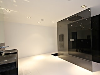 North Yorkshire Home Automation, Lighting and Media Installations Baños de estilo moderno de Inspire Audio Visual Moderno