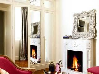 capricho real Casas de estilo clásico de nikohl cadeau interiors Clásico