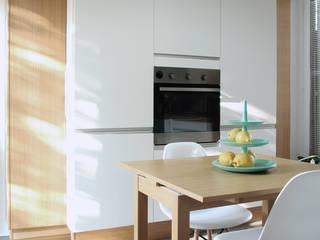 Spazio 14 10 di Stella Passerini Modern kitchen
