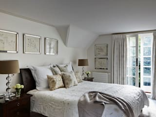 Country Home Bedroom:  Bedroom by Charlotte Crosland Interiors