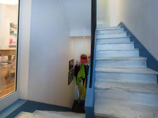 Christèle BRIER Architechniques Eclectic style corridor, hallway & stairs