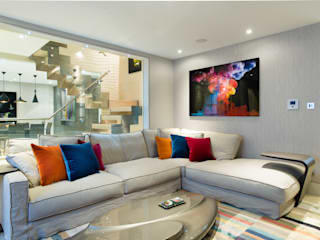 Mayfair Mews House:  Living room by Harriet Forde Design