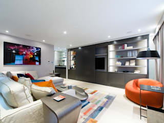 Modern Mayfair livingroom:  Living room by Harriet Forde Design