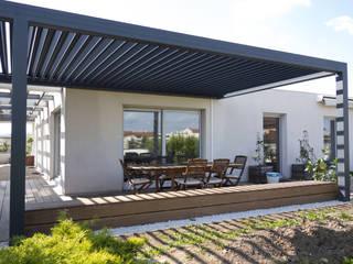 Duplex sur le toit Balcon, Veranda & Terrasse modernes par Agence LVH Moderne