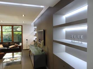 Appartement Villeurbanne: Salon de style  par Agence LVH