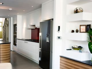 Highgate N6: Stunning London Kitchen by Increation Класичний