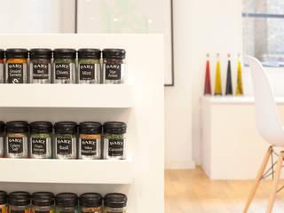 Clerkenwell WC1: Minimal Professional Home Cozinhas clássicas por Increation Clássico